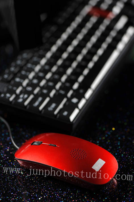 Guangzhou product photographer red usb speaker mouse
