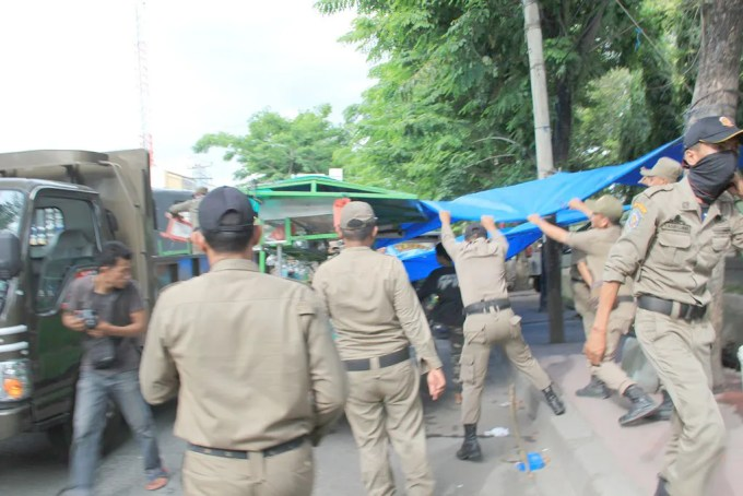 Penertiban PK 5 di Depan USU Jl DR Mansyur (4)
