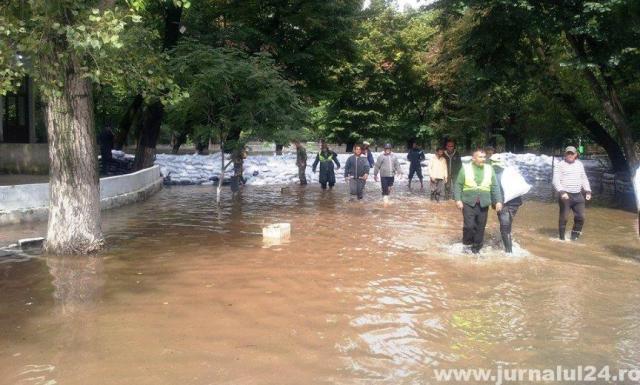 caracal inundatii