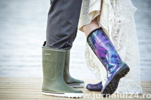 cool-ideas-for-a-rainy-day-wedding_____