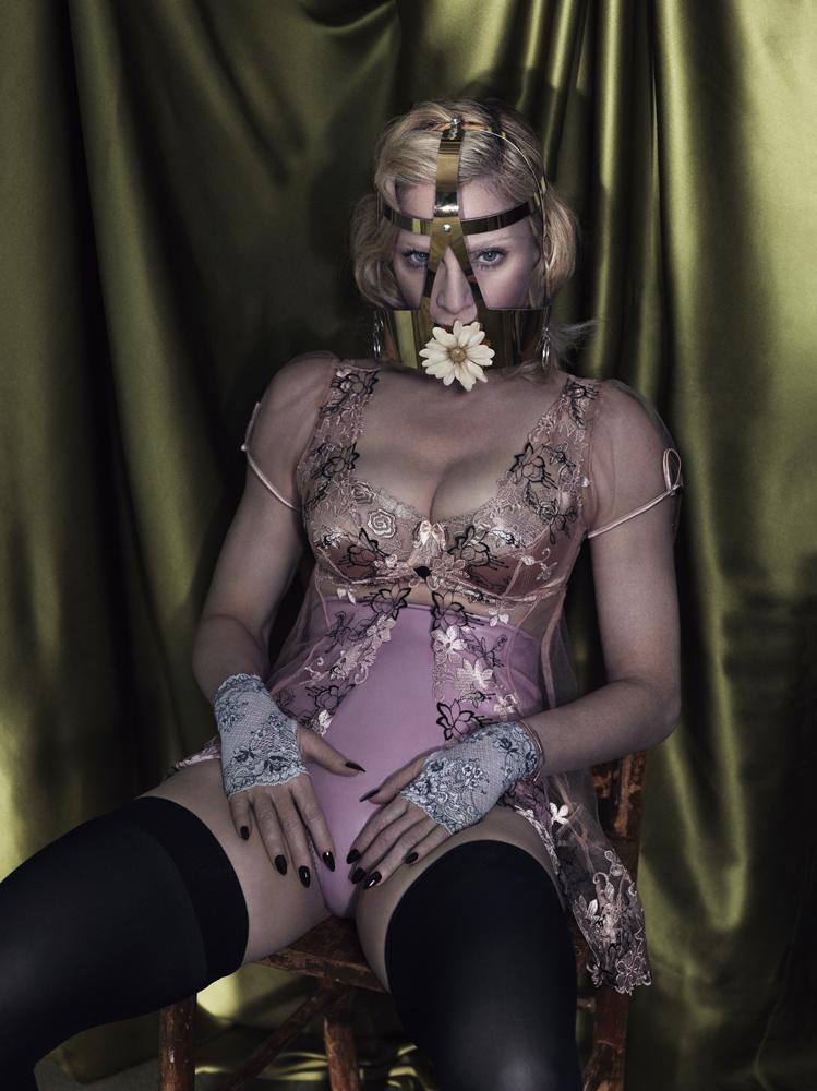 poza super sexy madonna