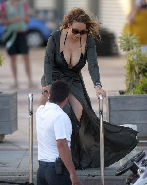 Incredibil! Uite cum arată Mariah Carey la 45 de ani în decolteu. Vedeta are un nou iubit