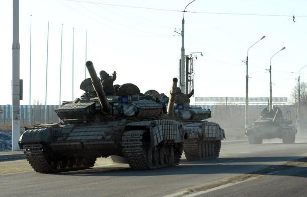 Separatiştii proruşi au început să se retragă de la linia frontului din Ucraina