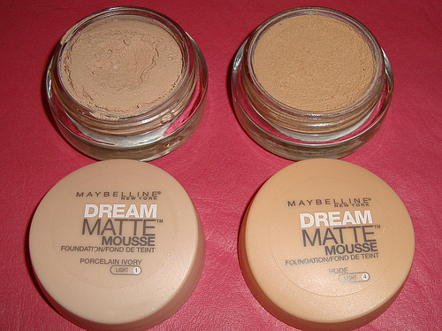 fond de ten Dream Matte Mousse Maybelline