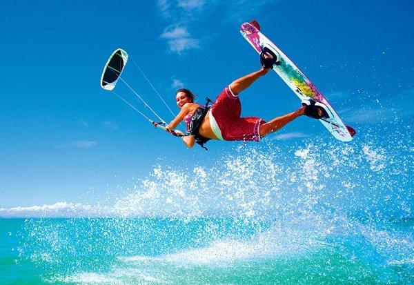 Care dintre urmatoarele sporturi nautice esti curios sa le incerci