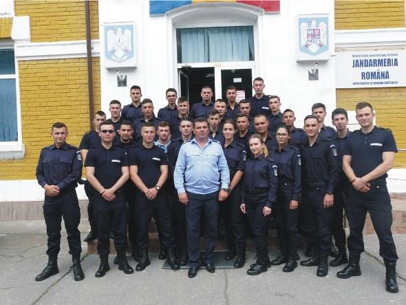 Elevi jandarmi în practică la Jandarmeria Olt