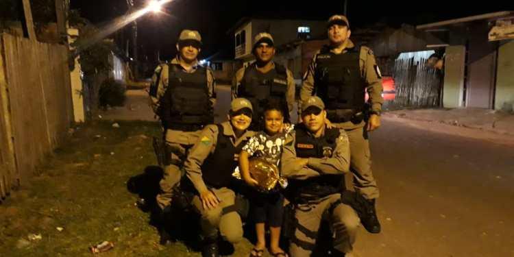 Em Cruzeiro do Sul, policiais realizam sonho de criança de conhecer viatura - Jurua em Tempo