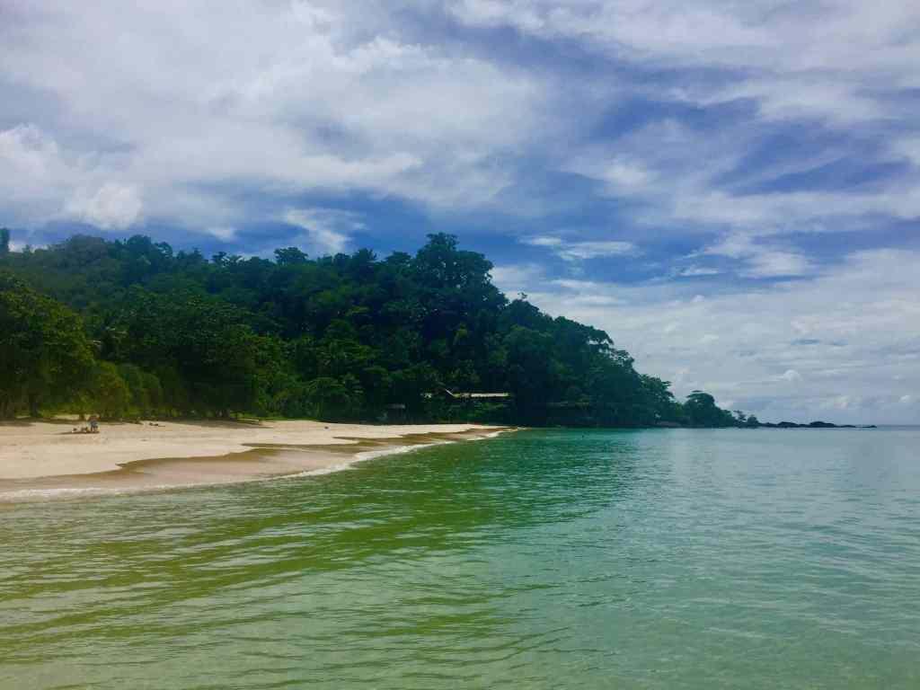 Ebenfalls nahe Krabi befindet sich die Insel Koh Ngai voller herrlicher Traumstrände. Foto: Sascha Tegtmeyer