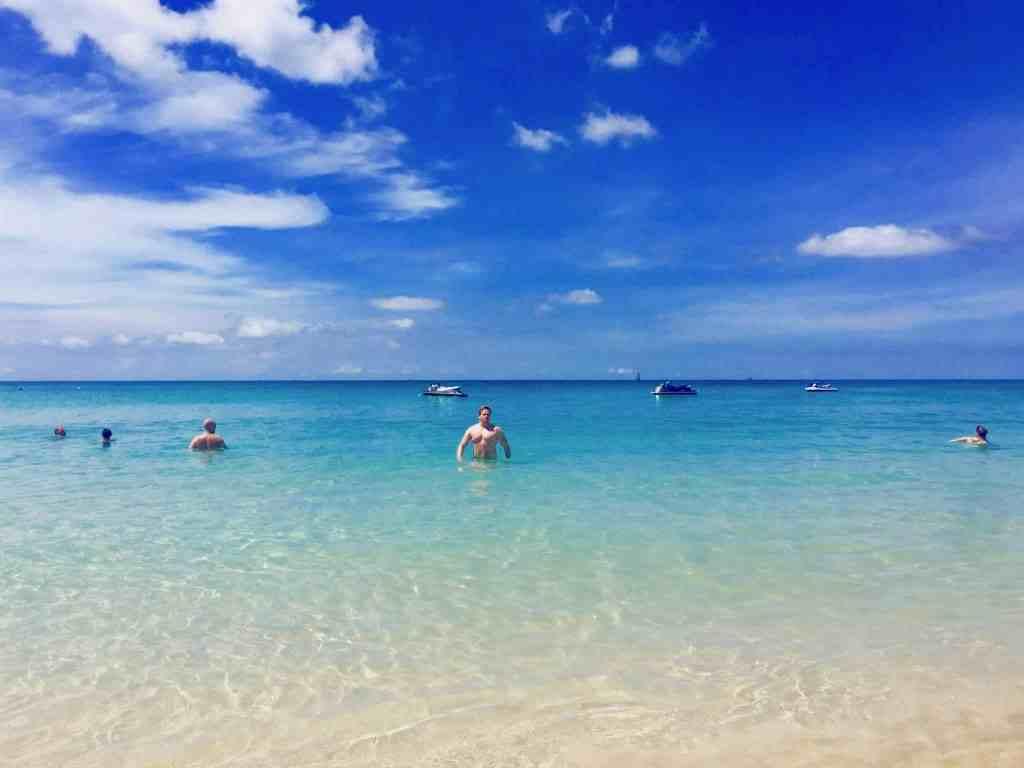 Persönlich vor Ort für Euch getestet und für gut befunden: der Kata Noi Beach auf Phuket. Foto: Luisa Praetorius