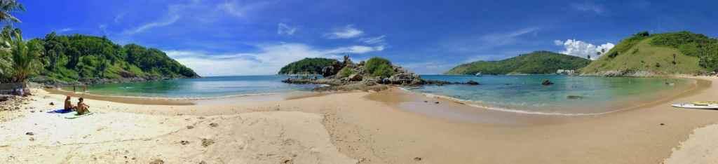 Die schönsten Strände in Thailand: der Nai Harn Beach auf Phuket ist zwar gut bevölkert, gehört aber ganz sicher dazu. Foto: Sascha Tegtmeyer