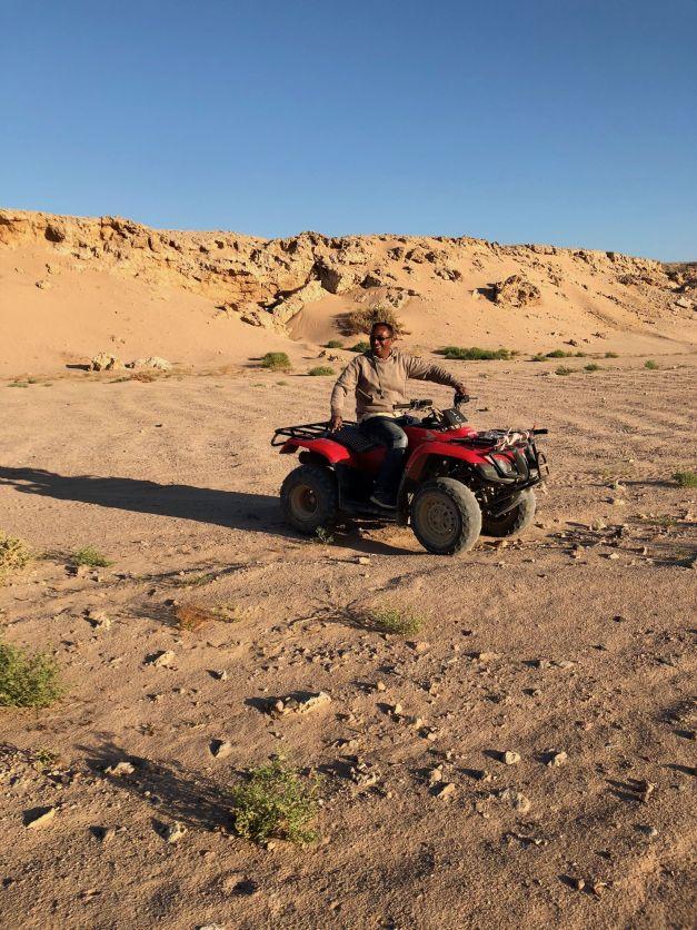 Mit dem Quad in der Wüste kann man mal ordentlich Gas geben. Foto: Sascha Tegtmeyer