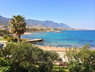 Tauchurlaub auf Zypern: Die Insel ist landschaftlich ein Traum und kann sich auch unter Wasser sehen lassen! Im Bild: Kyrenia im Norden der Insel. Foto: Sascha Tegtmeyer