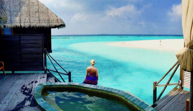 Mit der Bank of Scotland werden Reiseträume wahr: Der Traumurlaub auf den Malediven lässt sich mit einem Sofortkredit schnell realisieren! (Im Bild: Die Malediven-Insel Coco Palm Dhuni Kolhu). Foto: Sascha Tegtmeyer