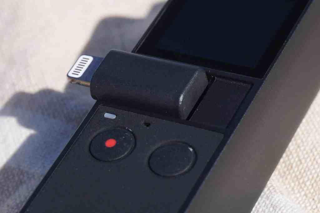 Lightning- und USB-C-Adapter sind im Paket dabei – MicroUSB muss separat bestellt werden. Foto: Sascha Tegtmeyer