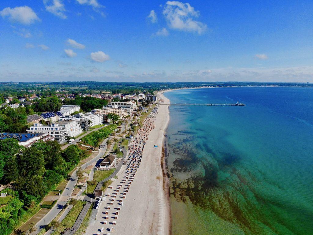 Dasa grünliche und klare Wasser lädt im Sommer zum Schwimmen in der Ostsee ein. Foto: Sascha Tegtmeyer