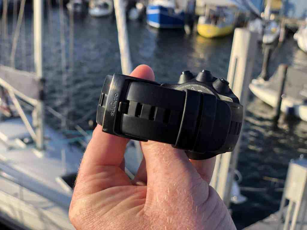 Hält bombenfast: Das stabile Armband ist für alle, die auf actiongeladenen Abenteuern unterwegs sind. Foto: Sascha Tegtmeyer