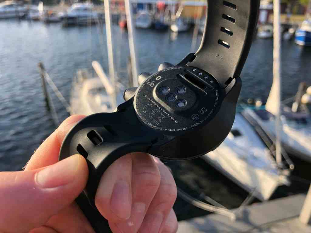 Die Herzfrequenz-Messung direkt am Handgelenk gehört bei den meisten aktuellen Sportuhren zum Standard. Foto: Sascha Tegtmeyer