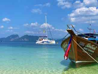 Sailing vacation in Thailand: when you sail from Phuket you can discover the dream islands of the Andaman Sea - Just Wanderlust has tried this for you once. Photo: Sascha Tegtmeyer