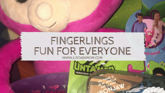 fingerlings, fingerlins hugs, untamed, untamed trex, wowwee, wowwee toys, dinosaur, dinosaur toys, push toys