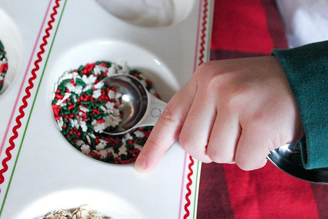 reindeer food, reindeer food free printable, reindeer food recipe and bag topper free printable, just add confetti, just add confetti free printables, diy reindeer food, how to make reindeer food, reindeer food kids activity, kids Christmas, Christmas activity for kids, North Pole Stables, free printable, Christmas, guide reindeer to your home, Christmas fun, Christmas magic, reindeer, Pittsburgh blogger, printable, reindeer food recipe, reindeer food bag topper, party blogger, treat bag topper,