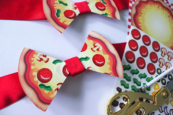 pizza bows, DIY pizza bow tutorial, love you to pizzas, pizza bow, pizza party, pizza bowtie, pizza hair bow, just add confetti, step-by-step tutorial, pizza bow step-by-step tutorial