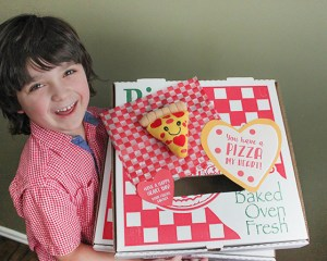 Pizza Valentine Box Hack (with tutorial and free printables)