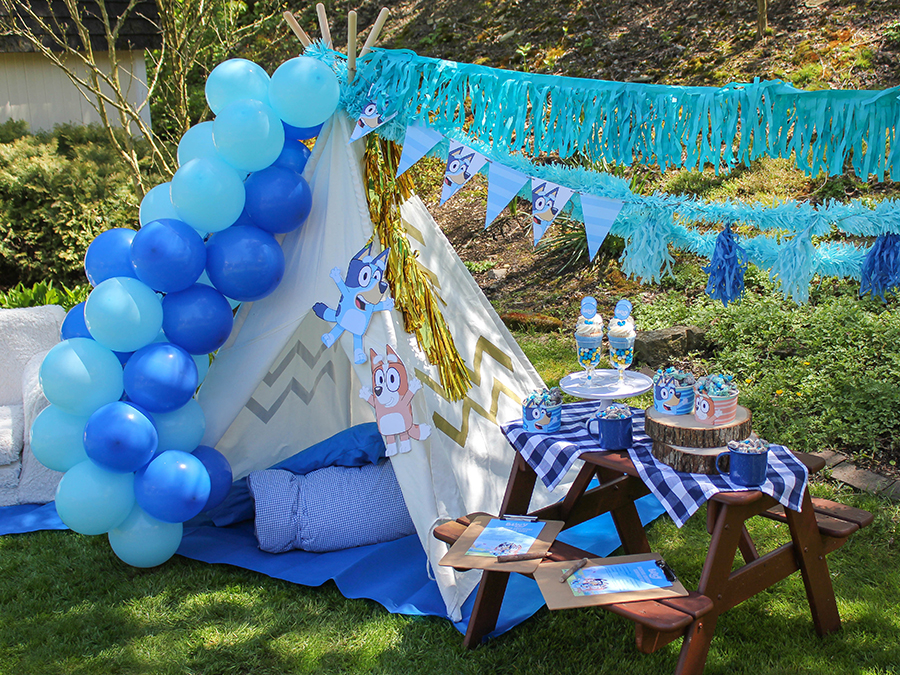 Bluey, Bluey abc kids party ideas, Bluey abc kids party, Bluey abc party, DIY party, backyard party, at-home party ideas, party printables, free printables, kids party, Bluey Backyard Birthday Party, scavenger hunt, pool noodle races, pool noodle Bluey, pool noodle Bingo, treat cups, Bluey backyard birthday treat, Just Add Confetti, Disney, partnership, DIY party games