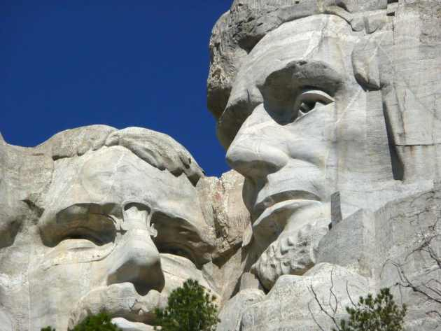 mount-rushmore-national-monument-55481_1280