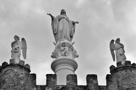 Protectrice et ses anges