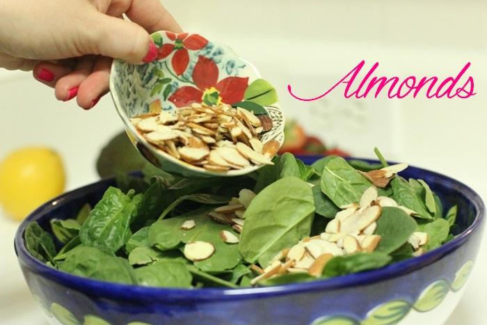 Superfood Salad Almonds