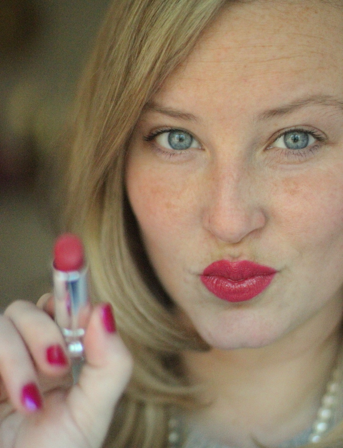 How To: Apply Lipstick