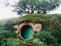 Visiting Hobbiton New Zealand