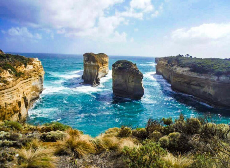 Photo of the Loch Ard Gorge, the ocean very blue. A Melbourne photo essay.