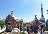 parc_guell_park_barcelona_buildings