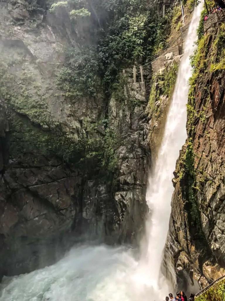 One of the things to do in Banños, Ecuador is visit Pailon de Diablo