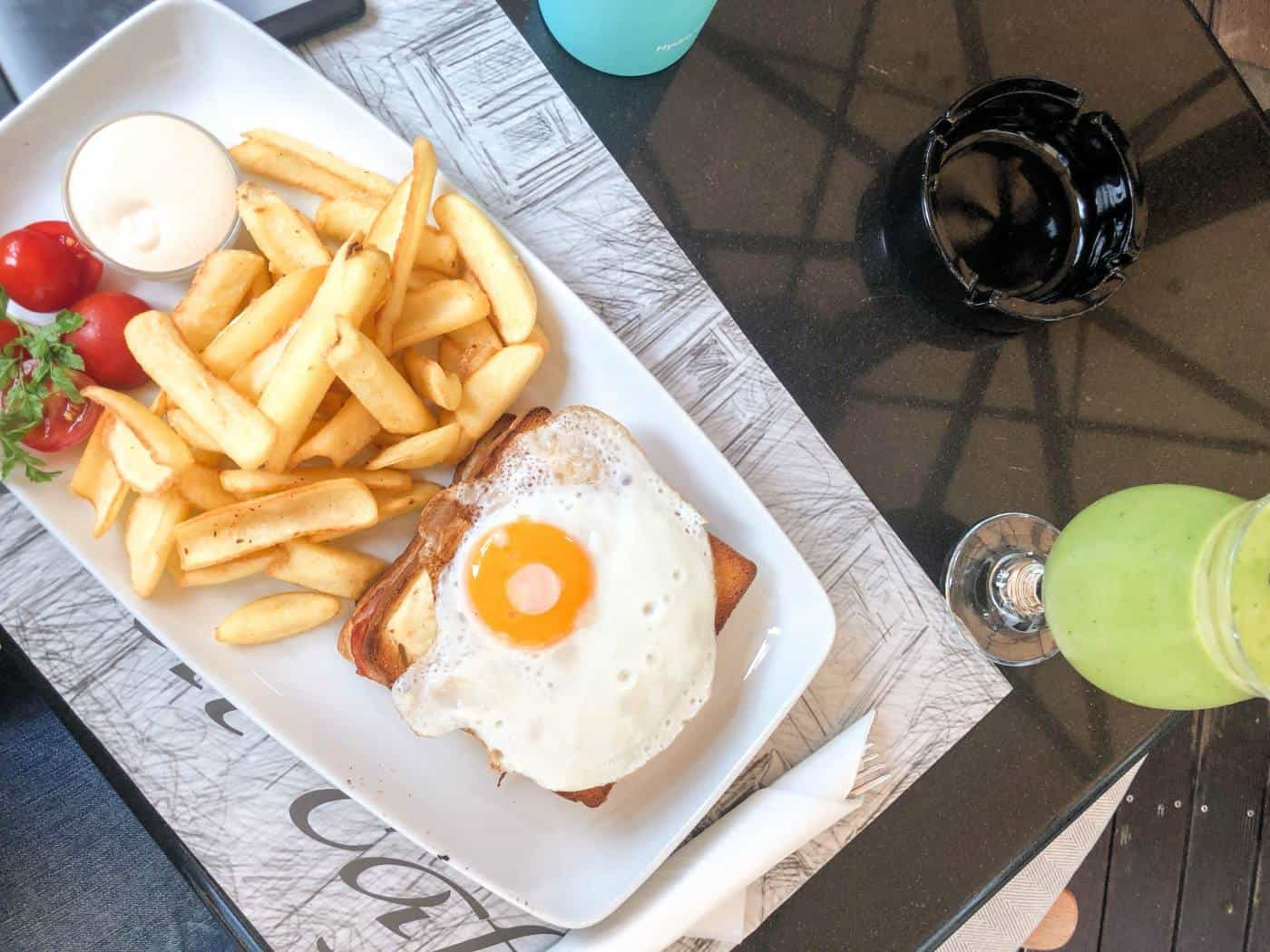 Have breakfast at Le Petite Cafe with one day in Ljubljana