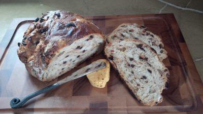No Knead Fuss-Free Kalamata Olive and Sun Dried Tomato Overnight Bread