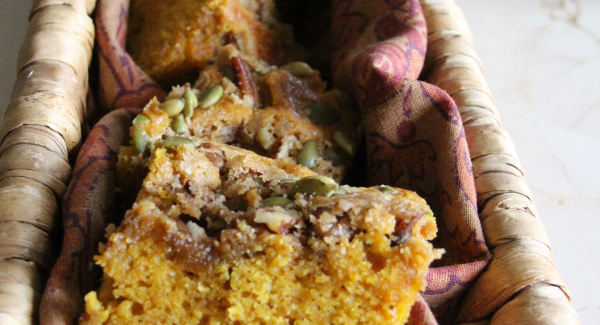 Teach Me Tuesday: Pumpkin Streusel Cake