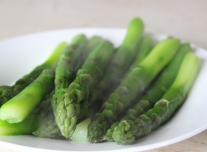 All about Asparagus – Celebrating Local Food Week and the Asparabus!!