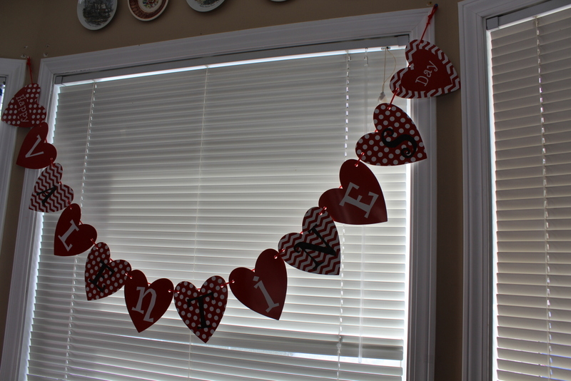 A pretty, simple, inexpensive, Valentine's Day Tablescape.