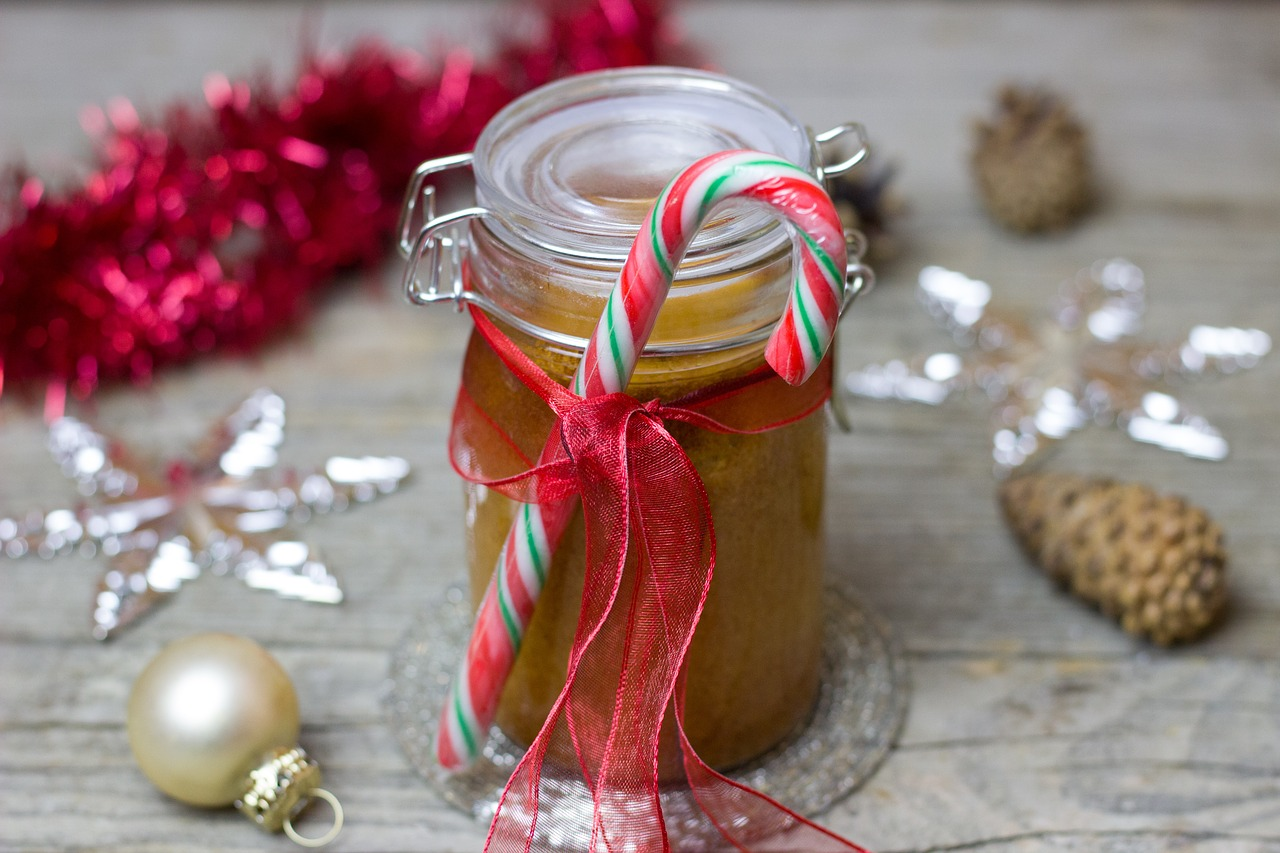 How to Plan Homemade Edible Gifts from the Homestead