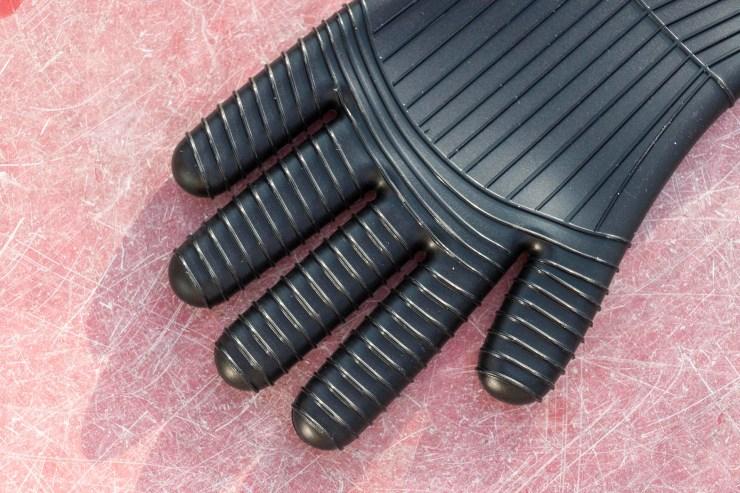 Darth Vader Oven Glove Set detail