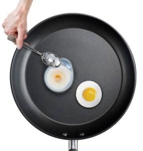 Joseph Joseph Froach Pods Gepocheerd Ei in Pan