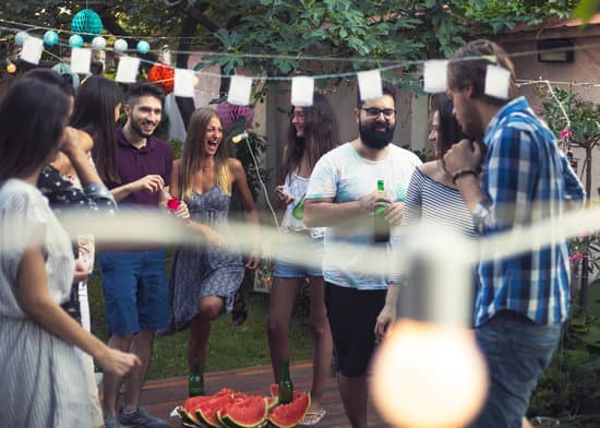 How to Host a Memorable Backyard Music Party