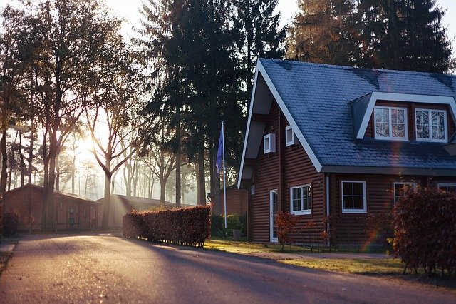 9 Benefits of Living in the Suburbs