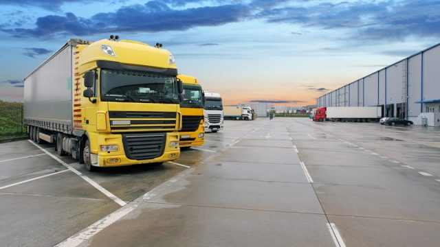 How Can you Trim down the transport cost with online truck bookings