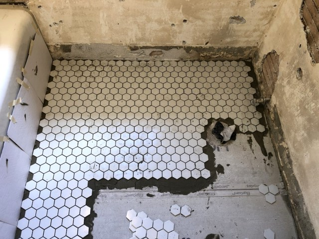 How To Lay The Mosaic Tiles Correctly