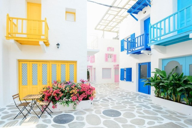 Why is painting and decorating a great idea for the house