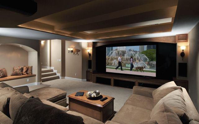 Top Tips to Efficiently Roll Up the Projector Screens