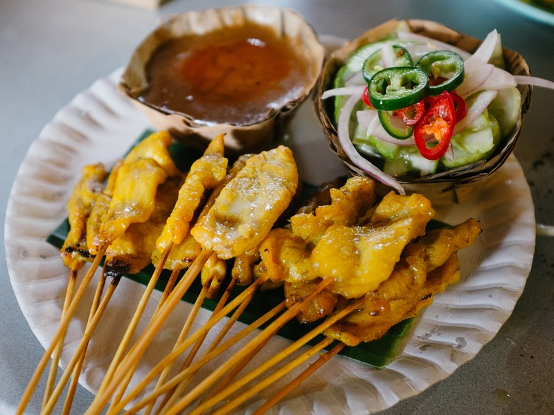 10 Famous Phuket Food To Eat Before You Leave